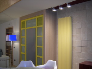 salone gall porta gialla